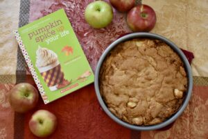 Falltastic apple cake